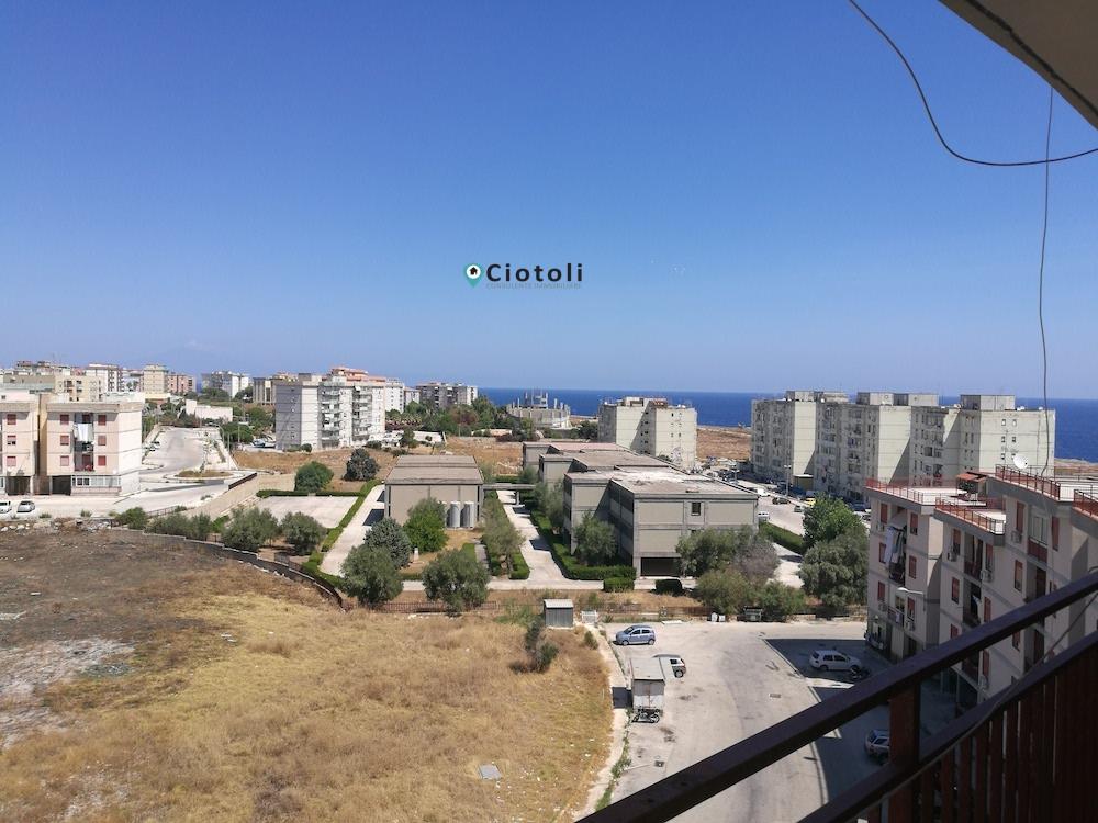 Appartamento molto panoramico con vista mare